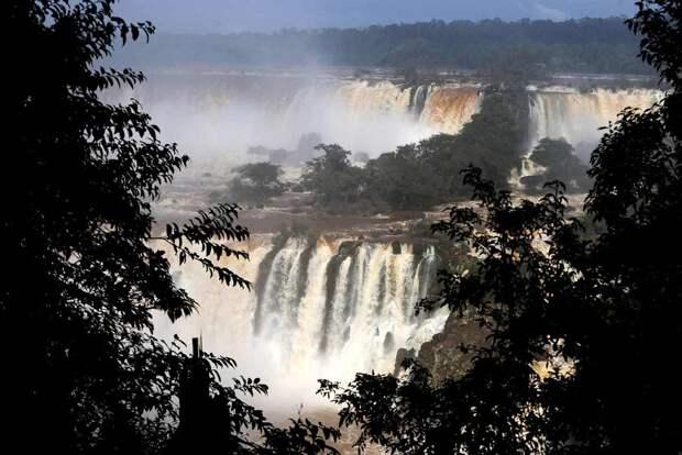 Iguazu 6 Захватывающие дух водопады Игуасу