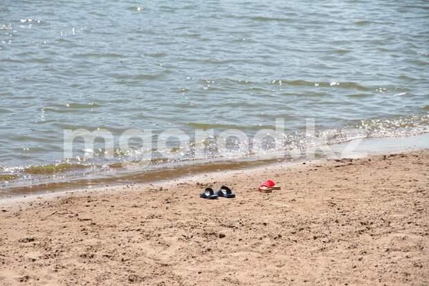 В Актюбинской области 11-летний ребёнок прыгнул за мячиком в реку и утонул