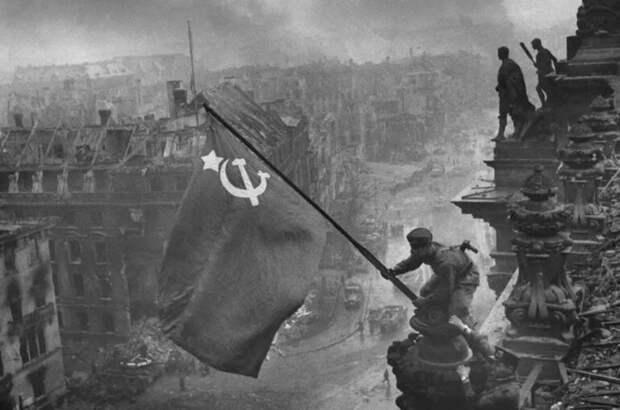 Как водружали Знамя Победы над рейхстагом