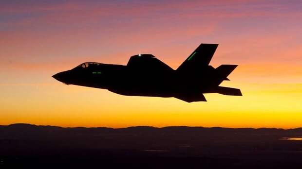СМИ США о крушении F-35: Машина всеми способами пыталась «убить» пилота
