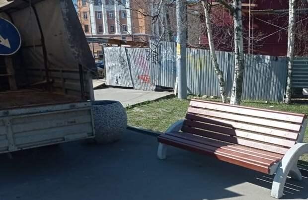На Студенческий бульвар в Петрозаводске вернули скамейки и урны