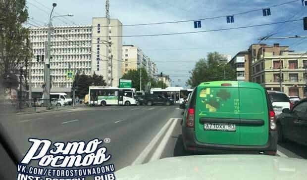 Новости четверга в Ростове о машинах на границе и долгах церкви