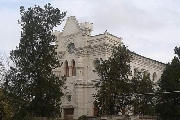 В Симферополе завершается реконструкция караимской кенассы