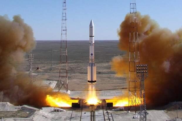 с космодрома Байконур стартовала очередная российская ракета-носитель «Протон-М»