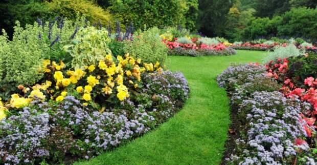 Цветники в саду регулярного стиля