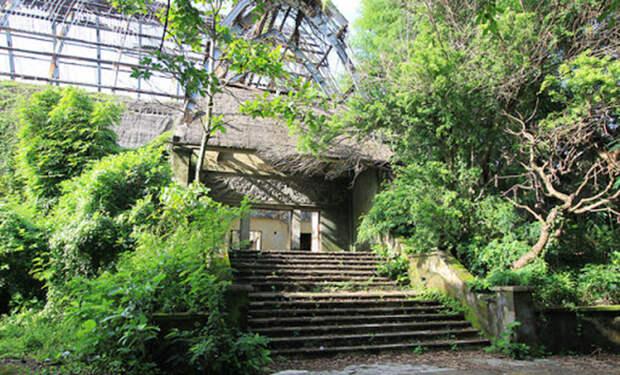 Путешественник показал как выглядит Бали на замке: отели и виллы стоят пустыми