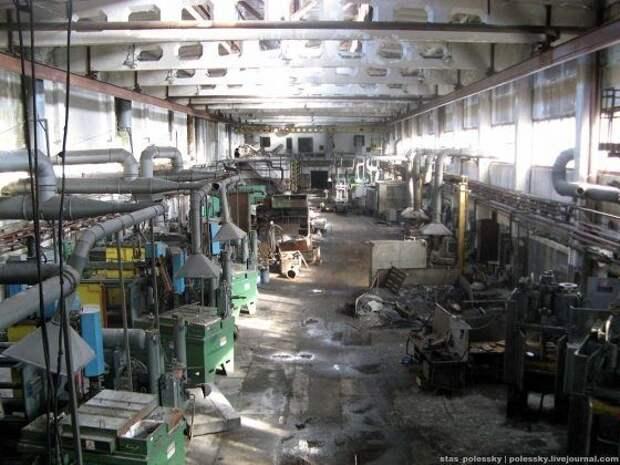 Все данные с завода исчезли: в Киеве нашли брошенное предприятие по выпуску аппаратов ИВЛ