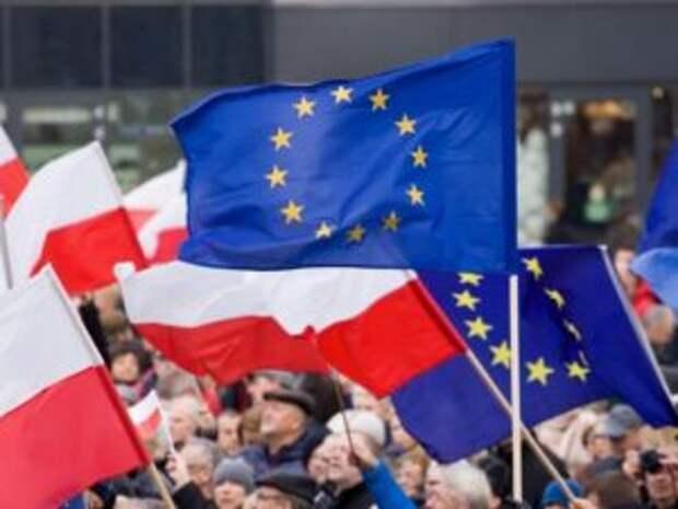 Польша поссорилась с Брюсселем и может начать процесс по выходу из ЕС