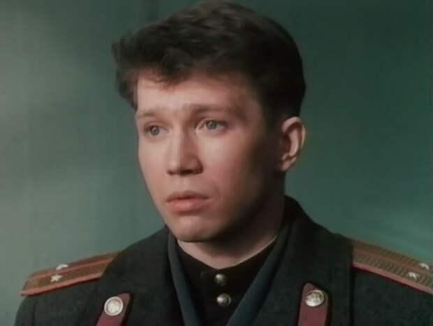Евгений Миронов в фильме *Анкор, еще анкор!*, 1992   Фото: kino-teatr.ru