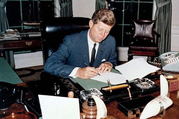 Рукописные письма Джона Кеннеди любовнице проданы с аукциона