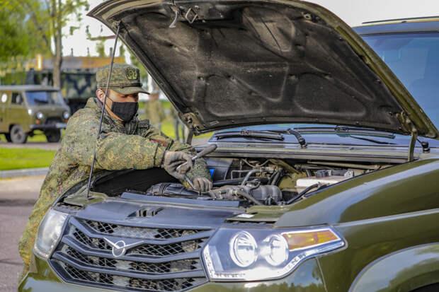 Отдельная бригада управления гвардейской танковой армии ЗВО завершает сезонное обслуживание военной техники