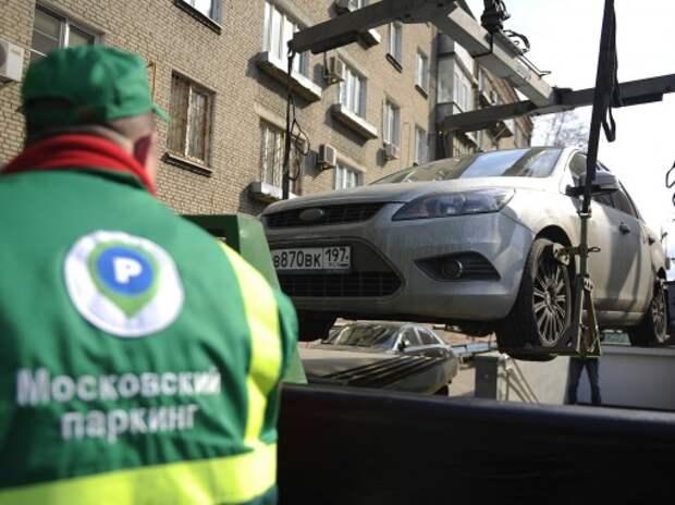 После ввода платных парковок в Москве пропускная способность дорог выросла на 10-12%