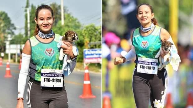 Тайская спортсменка бежала дистанцию со щенком на руках, чтобы его спасти