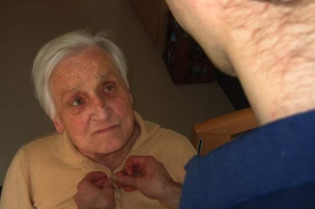 Учёные рассказали о первых признаках развития болезни Альцгеймера