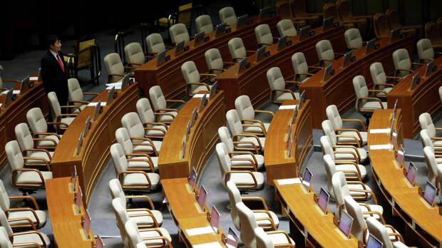 """В ЕС сожалеют о """"недемократических выборах"""" в парламент Венесуэлы"""