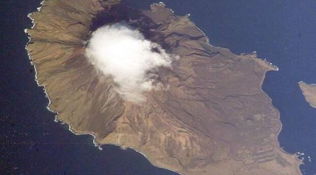 Тайны Матуа: что скрывают недра курильского острова