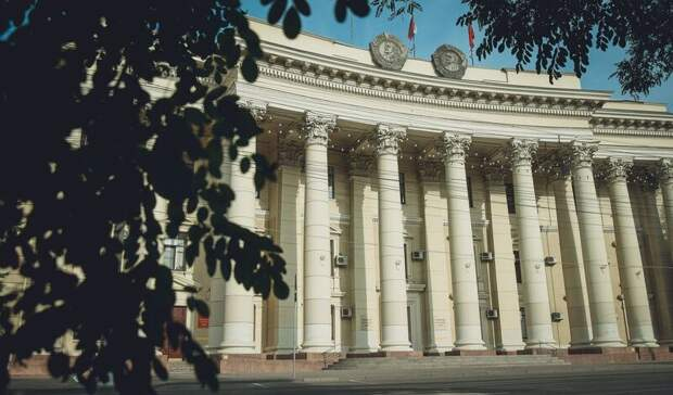 Бочаров запретил госслужащим иметь иностранное гражданство