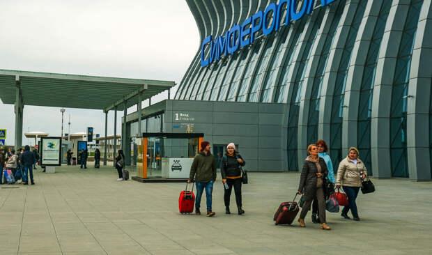 Аксенов понизил свои ожидания от турсезона в Крыму