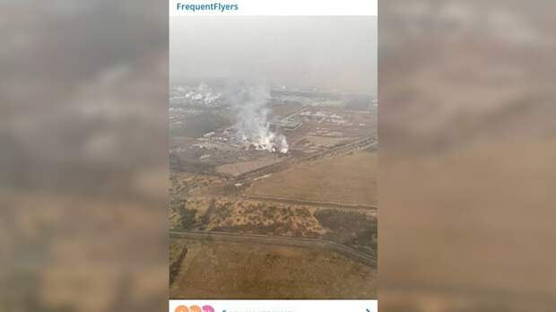 Пожарные потушили загоревшиеся рядом с аэропортом Пулково склады