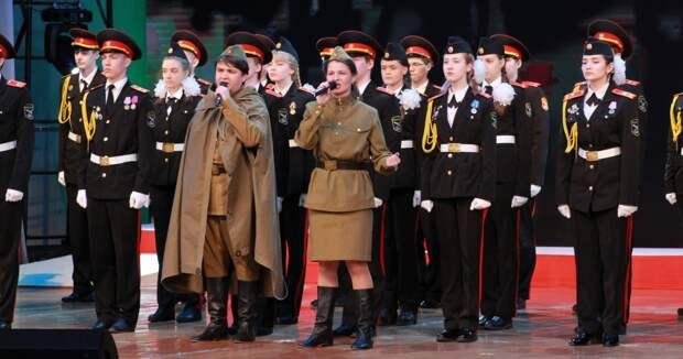 Больше 700 жителей Братска пришли на городской концерт, посвященный 9 Мая