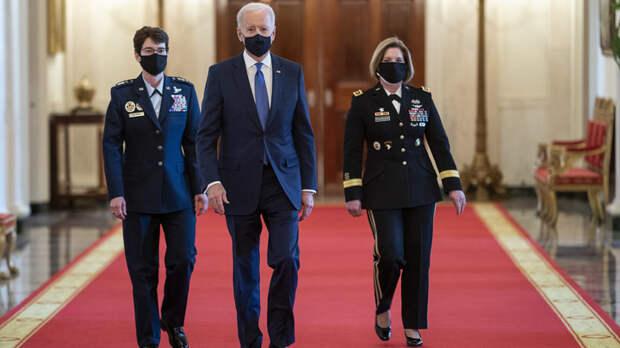 """Американские генералы """"разворчались"""" не на шутку: """"Зреет переворот"""""""