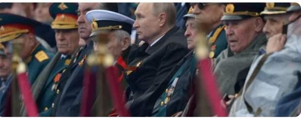 «Финал Путина как лидера России»: Глеб Павловский об одиночестве президента на параде