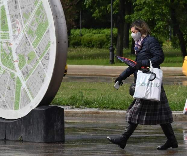 В столице зафиксирован минимальный с апреля прирост заразившихся COVID, Россия пока отстаёт