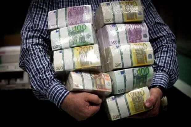 ВРоссию ввезен рекордный объём наличных евро загод
