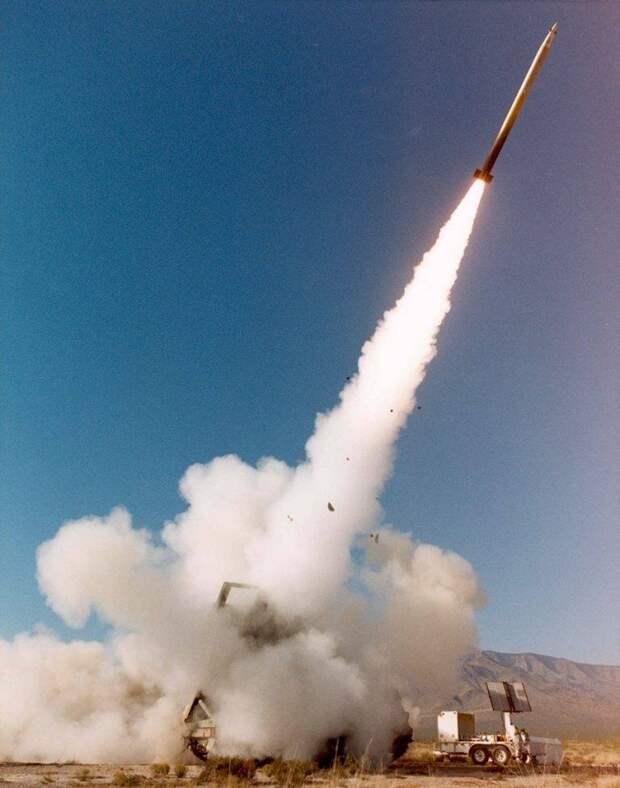 Управляемая ракета ER GMLRS: первые успехи и будущее реактивной артиллерии США