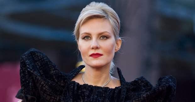 Государство обязано давать деньги на фильмы, а контролировать процесс не должно – считает Литвинова
