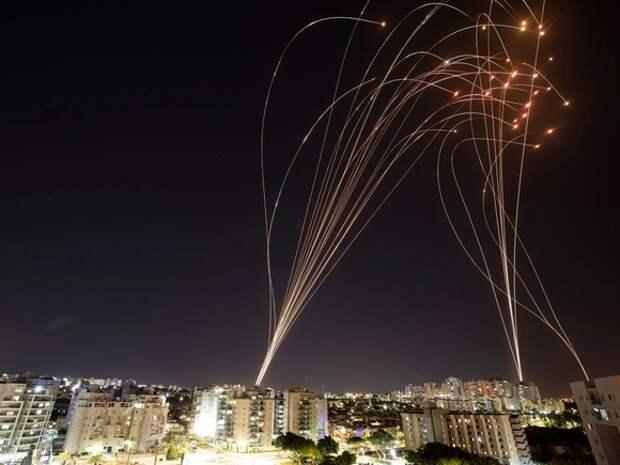 По Израилю ударили ракетами из Ливана