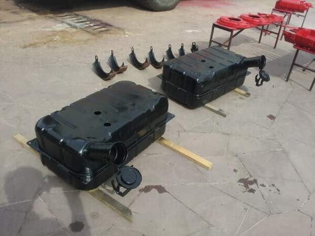 Мужик взял ржавую Волгу и скрестил ее с шасси от ГАЗ-66, получился уникальный внедорожник для охоты и рыбалки