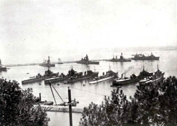 Французские эсминцы в Мерс Эль Кебире