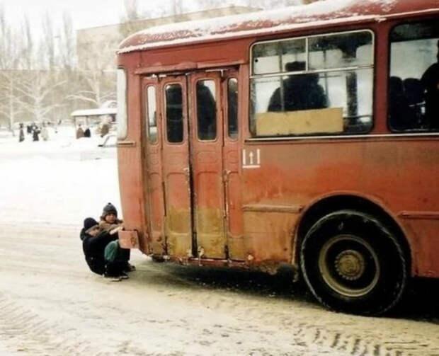 Экстремальное катание на автобусе. | Фото: Телеграф.