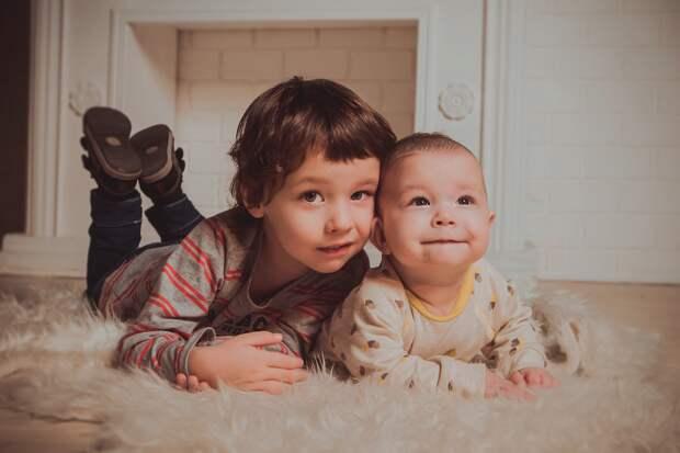 Каким малышам в Севастополе положен подарочный набор