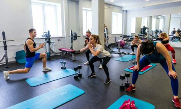 В Челябинске вырос спрос на косметологов, парикмахеров и фитнес-тренеров