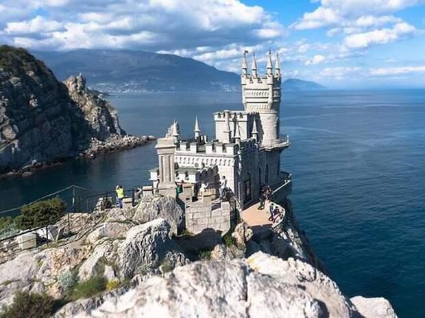 В Крыму опровергли информацию о резком повышении цен на отдых