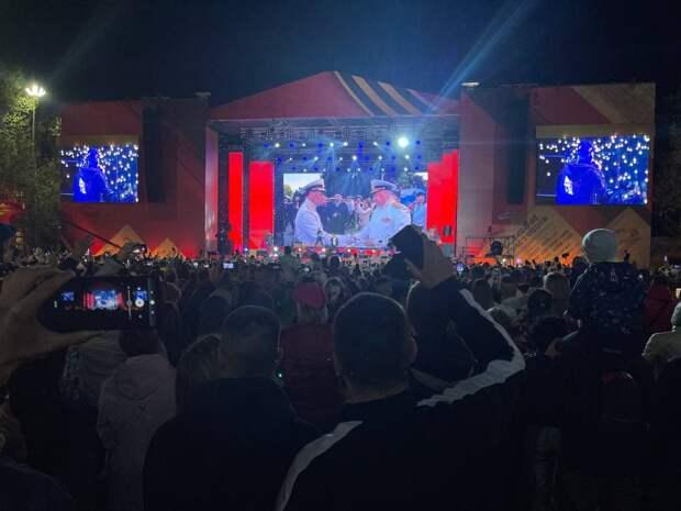 Певец Олег Газманов выступил на концерте в Севастополе в честь Дня Победы