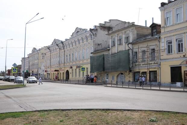 В центре Сарапула начали восстанавливать фасады исторических зданий
