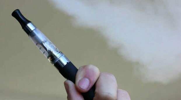 Жидкость для электронных сигарет могут запретить в России