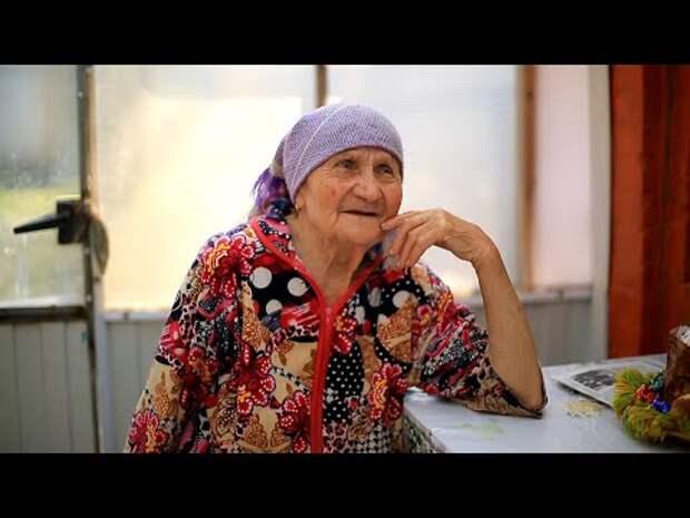 Поздравляем бабушку Любу с Пасхой