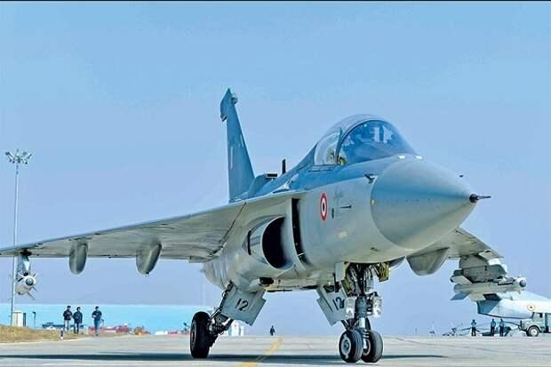 Индийский истребитель Tejas идёт в производство