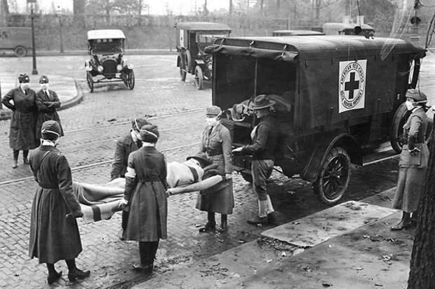 """""""Испанка"""" 1918:  удивительным было то, что особенно активно вирус косил молодых и сильных — от 20 до 40 лет"""