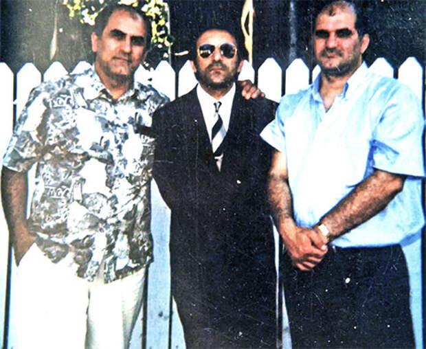 Слева: Анзор Мамедов и воры в законе Кароглы Мамедов и Мириан Мамедов