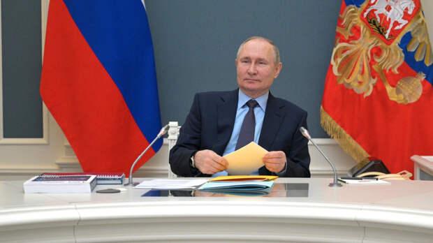 Путин заявил, что эффективность от вакцины Moderna станет известна только через 10 лет