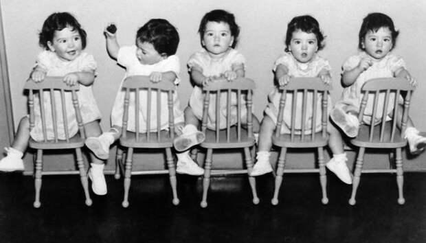 7 фактов о первых пятерняшках, на которых Канада заработала миллионы долларов