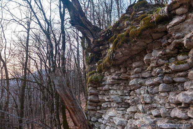 Средневековая Ачипсинская крепость