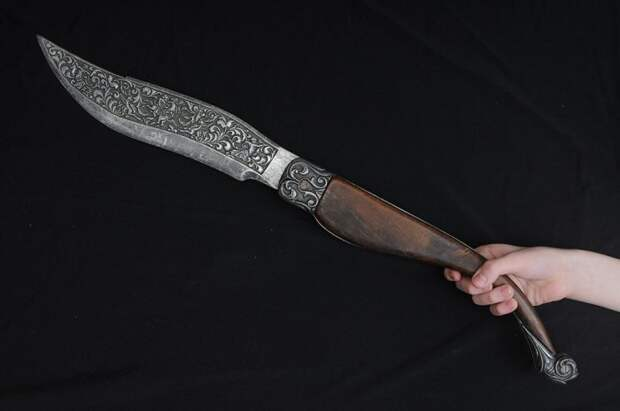 Испанская наваха: как запрет на клинки помог появиться легендарному ножу и почему у него столько фор