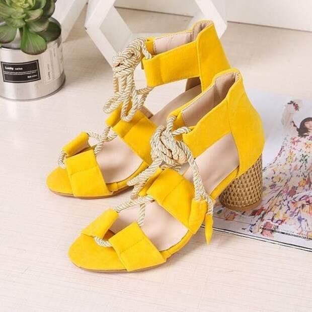 5 вариантов обуви, которая добавляет очарования в40+