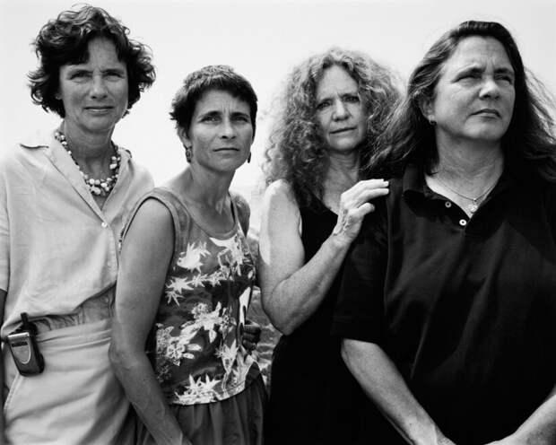 21 удивительный снимок сестер, которые сорок лет фотографировались вместе